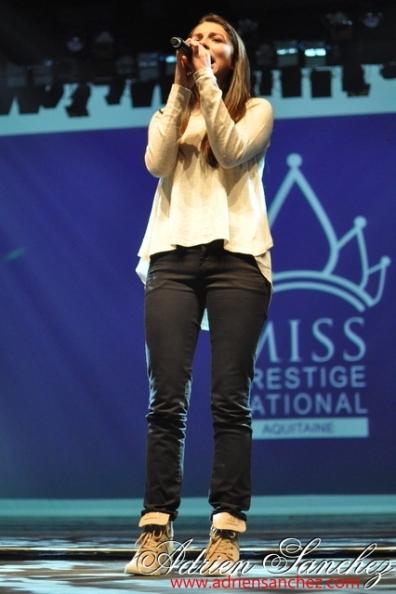 Election Miss Prestige Aquitaine 2013 à Saint Loubès avec Geneviève de Fontenay . Photographe Adrien SANCHEZ INFANTE (180)