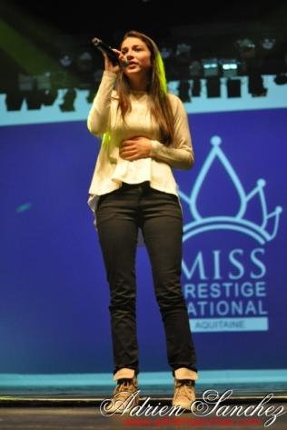 Election Miss Prestige Aquitaine 2013 à Saint Loubès avec Geneviève de Fontenay . Photographe Adrien SANCHEZ INFANTE (182)