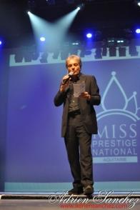 Election Miss Prestige Aquitaine 2013 à Saint Loubès avec Geneviève de Fontenay . Photographe Adrien SANCHEZ INFANTE (66)