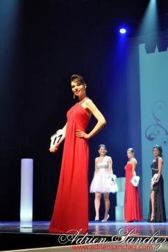 Election Miss Prestige Aquitaine 2013 à Saint Loubès avec Geneviève de Fontenay . Photographe Adrien SANCHEZ INFANTE (79)