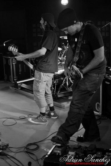 Photo 2 Years to Bazik Events La Teste de Buch Zik Zac Rock Miches moulées bostémod eurosia mr batou Photographe Adrien Sanchez Infante (14)