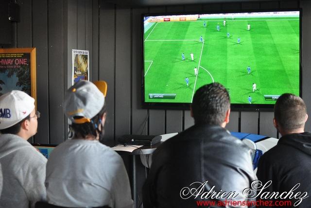 Photo Surf Café Soirée Fifa 2014 21 Avril Association DO IT Photographe Adrien Sanchez Infante (14)