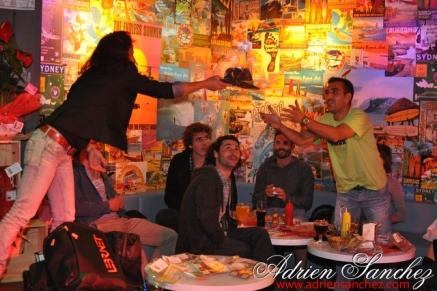 Photo Surf Café Soirée Fifa 2014 21 Avril Association DO IT Photographe Adrien Sanchez Infante (76)