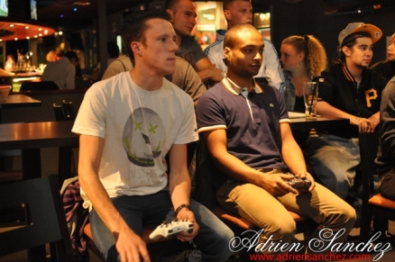 Photo Surf Café Soirée Fifa 2014 21 Avril Association DO IT Photographe Adrien Sanchez Infante (92)