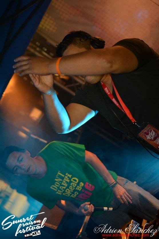 Sunset Saison Festival La Teste de Buch Ride A Bar Rideabar photographe adrien sanchez infante ilements scars eurosia mrbatou joachim christianson plaque tournante diplomatik band africa'n'percu (199)