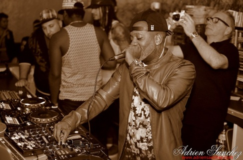Photo What the Fuck Willy William AGS Event Miky Uno Orijinal Fox Loic Fredo Tony DJ Pacha Plage Photographe Adrien SANCHEZ INFANTE Bassin d'Arcachon (40)