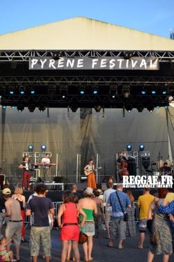 Photo PYRENE Festival 2015 Bordes Pyrénées atlantiques 64 France Reggae Latino photographe adrien sanchez infante Natalia Doco (46)