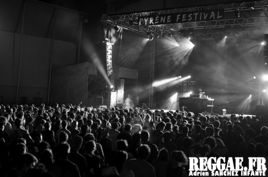 Photo PYRENE Festival 2015 Bordes Pyrénées atlantiques 64 France Reggae Latino photographe adrien sanchez infante Panda Dub (3)