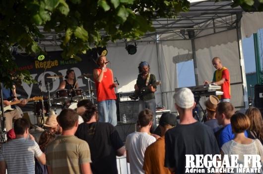 Photo PYRENE Festival 2015 Bordes Pyrénées atlantiques 64 France Reggae Latino photographe adrien sanchez infante Ryon (2)