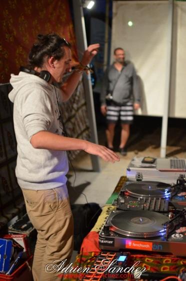 photo boom faya reggae night dougy pierroots eurosia sound twan tee le porge camping de la grigne médoc photographe adrien sanchez infante (23)