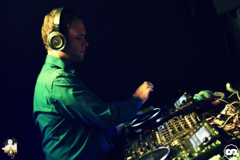 photo bagus bar florent b kambra deejay dj house music deep electro photographe adrien sanchez infante 2015 (6)